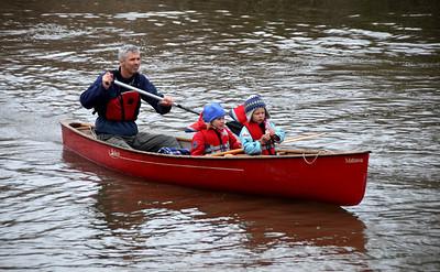 1105_PaddletheDon_canoe_family6