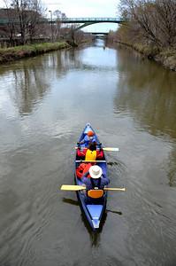 1105_PaddletheDon_canoes04