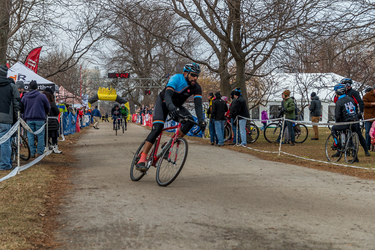Cat 3 - 2014 Montrose Harbor Cyclocross Race
