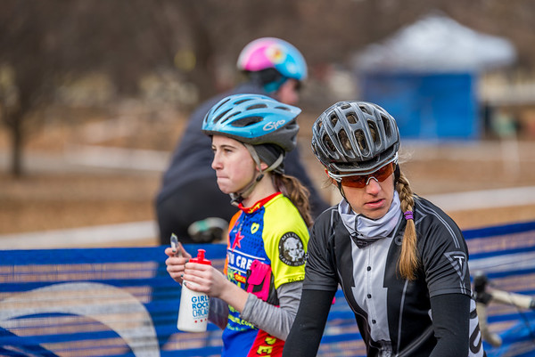 Women Cat 4 & Junior 9-14 - 2014 Montrose Harbor Cyclocross Race