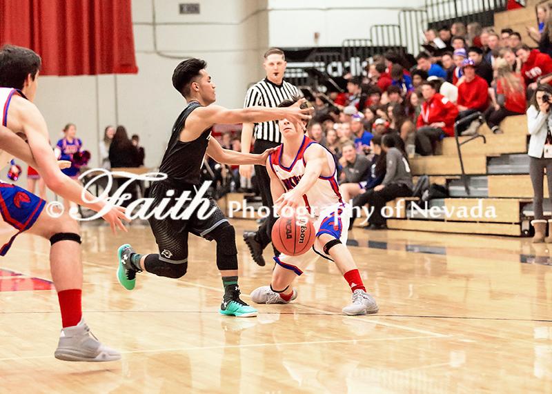 5x7 RHS Boys Basketball Varsity vs North Valleys ©2015MelissaFaithKnight&FaithPhotographyNV_1327