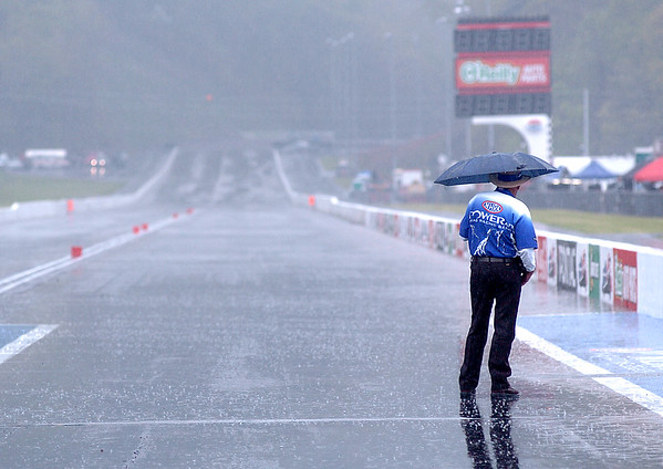 Rain delays Drags