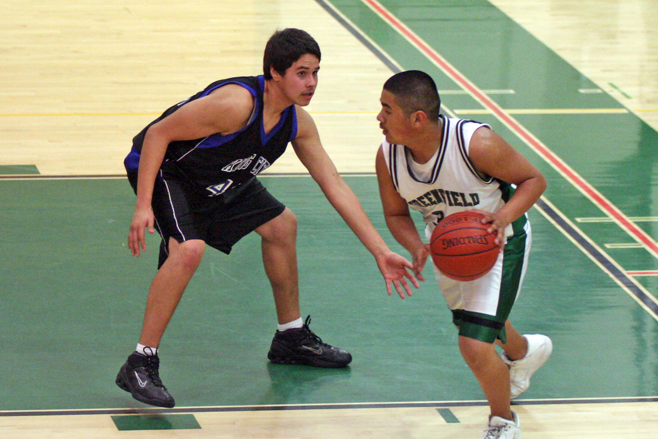 Irving Diaz playing defense, KCHS JV vs Greenfield 2/3/07 - Game #1