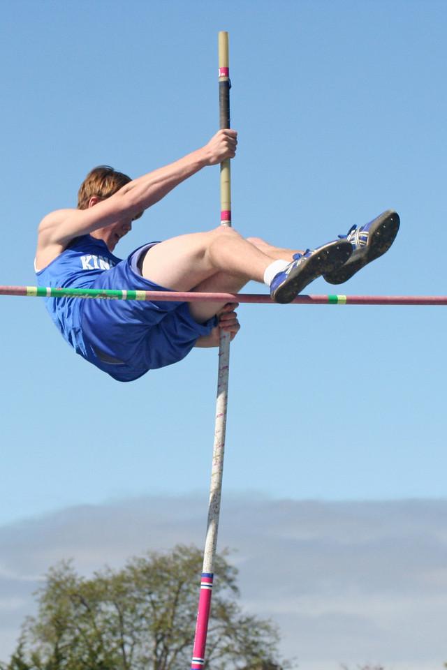Grady Roth pole vaulting @ Salinas Track Meet 2/24/07