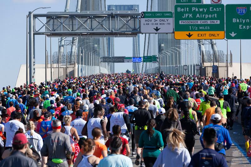 STATEN ISLAND, NY - November 3, 2019: for NEWS. The Third Wave of New York City Marathon begins crossing the Verrazano Narrows Bridge in Fort Wadsworth. (Photo by Taidgh Barron/NY Post)