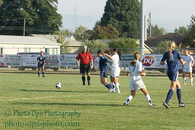 Girls Var Soccer 9-13-11 018