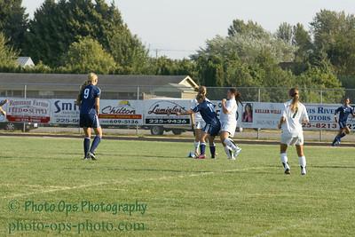 Girls Var Soccer 9-13-11 022