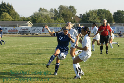 Girls Var Soccer 9-13-11 027