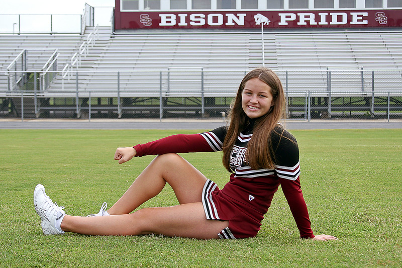 2008 Bison Cheerleader Portraits