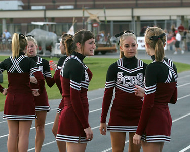 Cheerleaders planning for Homecoming