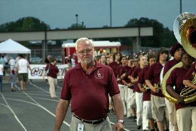 Director Waters brings the band into the stadium