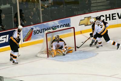 """Bruins goalie Hannu Toivonen """"feathers his nest"""""""