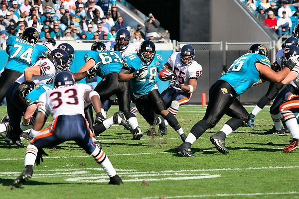 Fred Taylor rushed for 79 yards averaging 3.8 yards per carry.