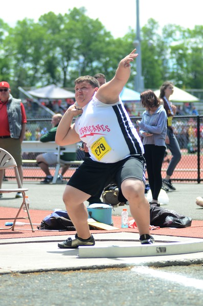 Central/West Division II track and field championships-052717