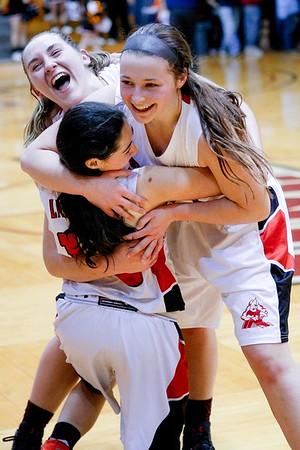 Hoosac Valley wins W. Mass. girls championship bball over S. Hadley-031117