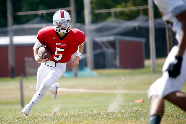Mount Greylock plays Smith Vocational in Football-091716