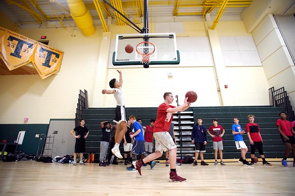 BEN GARVER — THE BERKSHIRE EAGLE<br /> The Taconic Braves had their first day of basketball practice Monday, November 26, 2018. This photo shows the JV players in drills.
