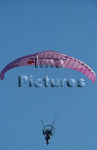 1-40-54-0042 Parachuting; valschermspringen; Parachute