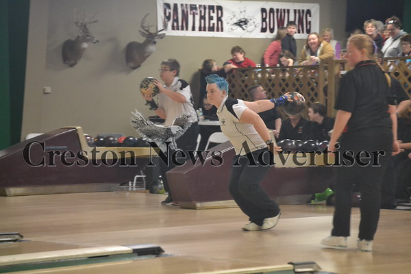 01-09 Creston/O-M-Harlan bowling