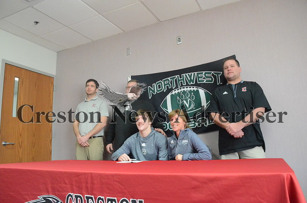 02-02 Creston/O-M football signing day