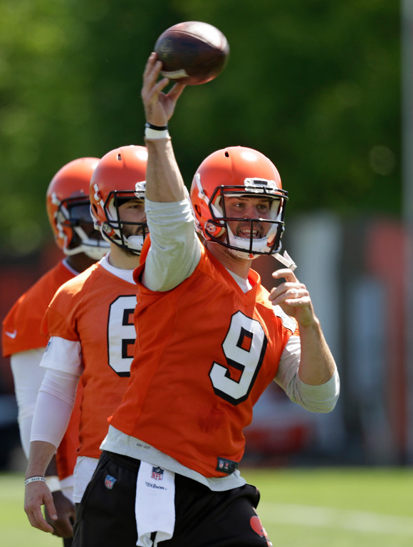 . Cleveland Browns quarterback Drew Stanton during a practice at the NFL football team\'s training camp facility, Wednesday, May 23, 2018, in Berea, Ohio. (AP Photo/Tony Dejak)