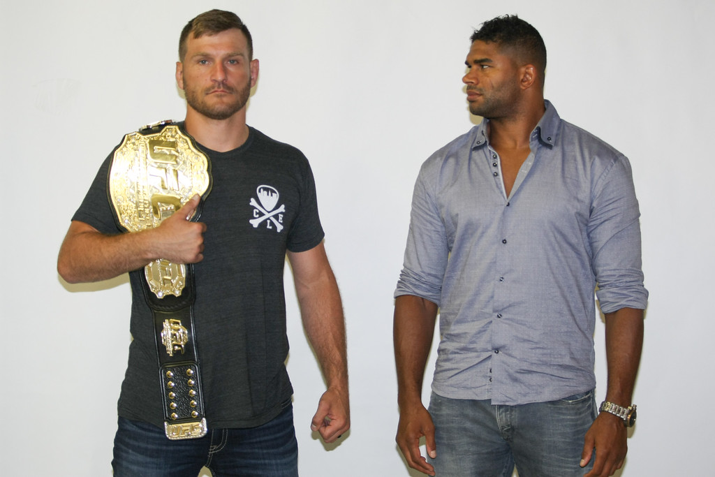 https://photos.smugmug.com/Sports/062316-Miocic-vs-Overeem/i-XTZmNgt/0/XL/9O7J1949-XL.jpg