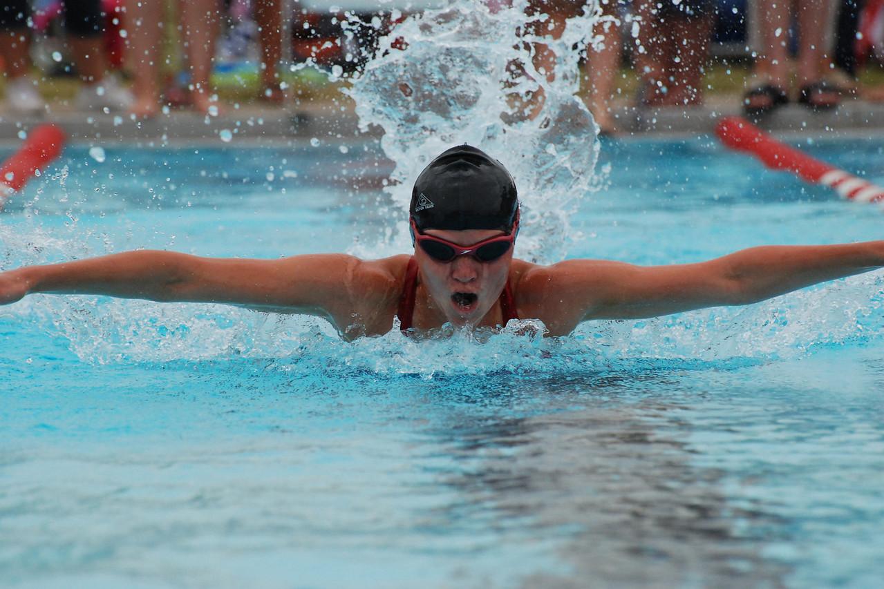 Lauren beasting in the 50 meter fly
