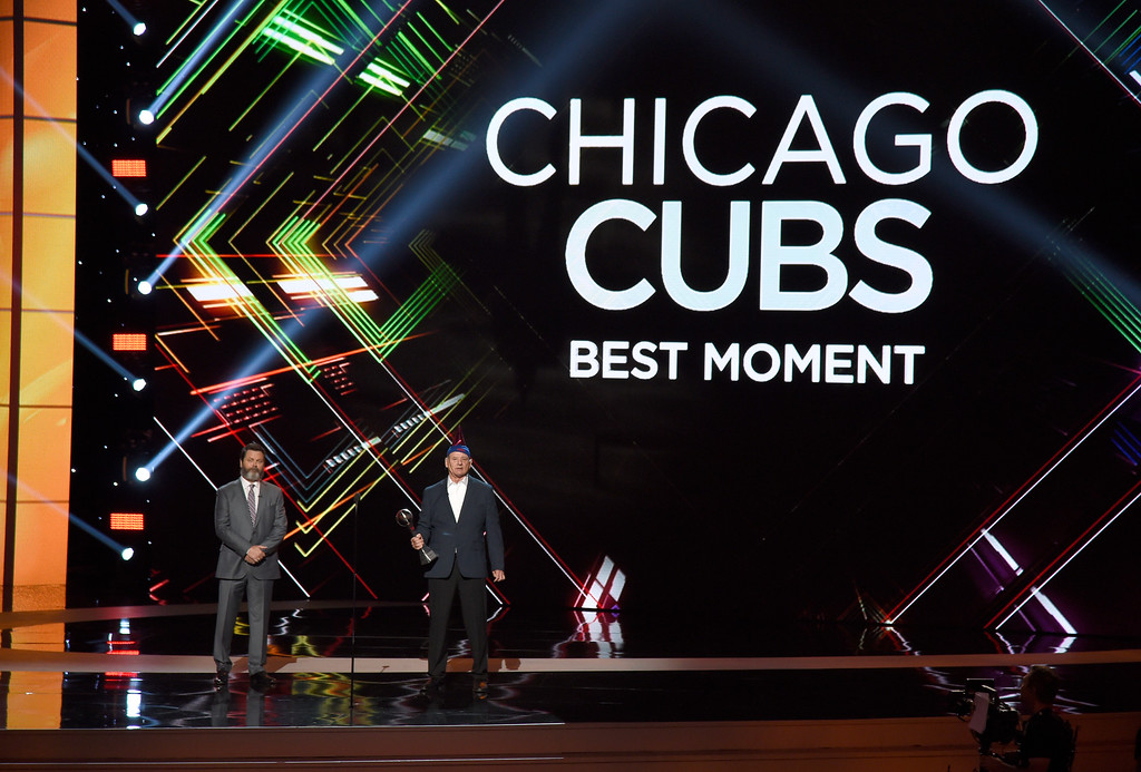 . Bill Murray accepts the award for best moment on behalf of the Chicago Cubs baseball team at the ESPYS at the Microsoft Theater on Wednesday, July 12, 2017, in Los Angeles. Looking on at left is presenter Nick Offerman. (Photo by Chris Pizzello/Invision/AP)