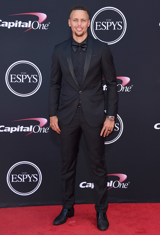 . NBA basketball player Stephen Curry, of the Golden State Warriors, arrives at the ESPYS at the Microsoft Theater on Wednesday, July 12, 2017, in Los Angeles. (Photo by Jordan Strauss/Invision/AP)