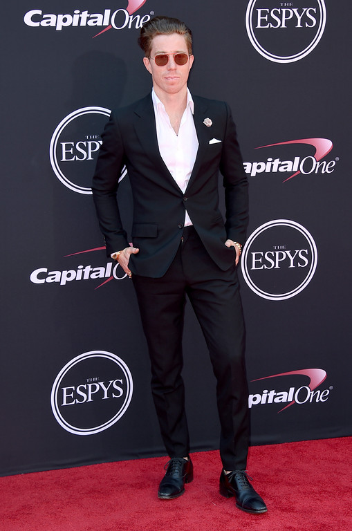 . Shaun White arrives at the ESPYS at the Microsoft Theater on Wednesday, July 12, 2017, in Los Angeles. (Photo by Jordan Strauss/Invision/AP)