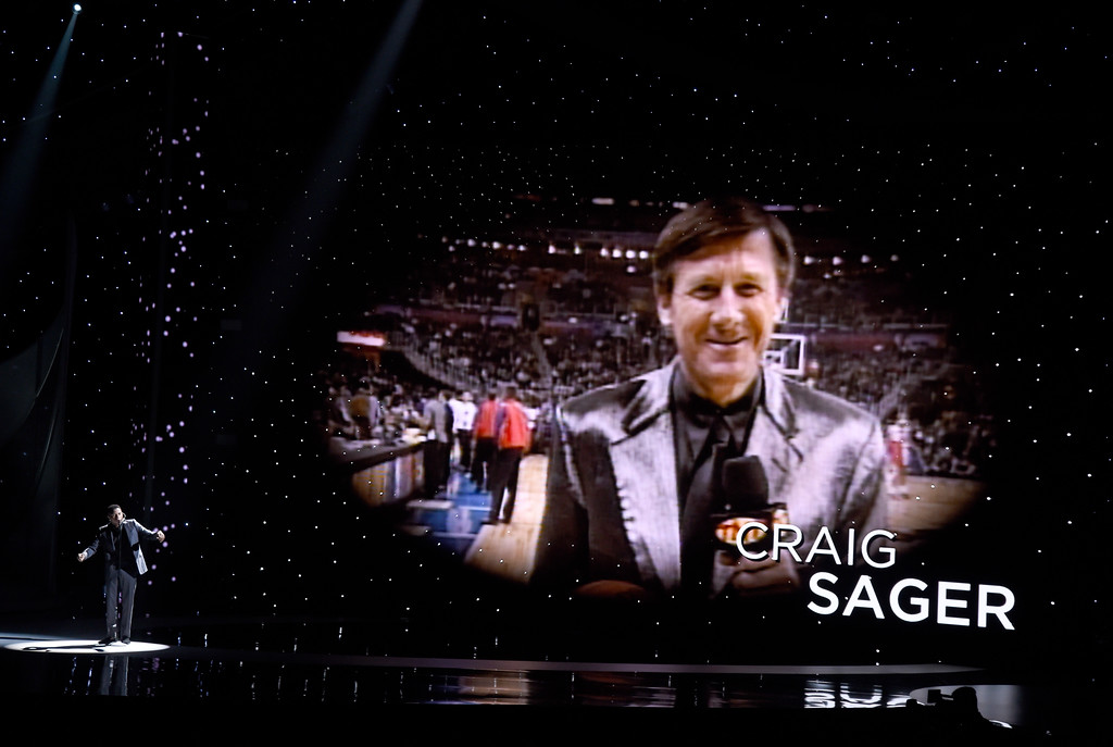""". Gallant performs \""""A Song For You\"""" as Craig Sager is pictured on screen during n Memoriam tribute at the ESPYS at the Microsoft Theater on Wednesday, July 12, 2017, in Los Angeles. (Photo by Chris Pizzello/Invision/AP)"""