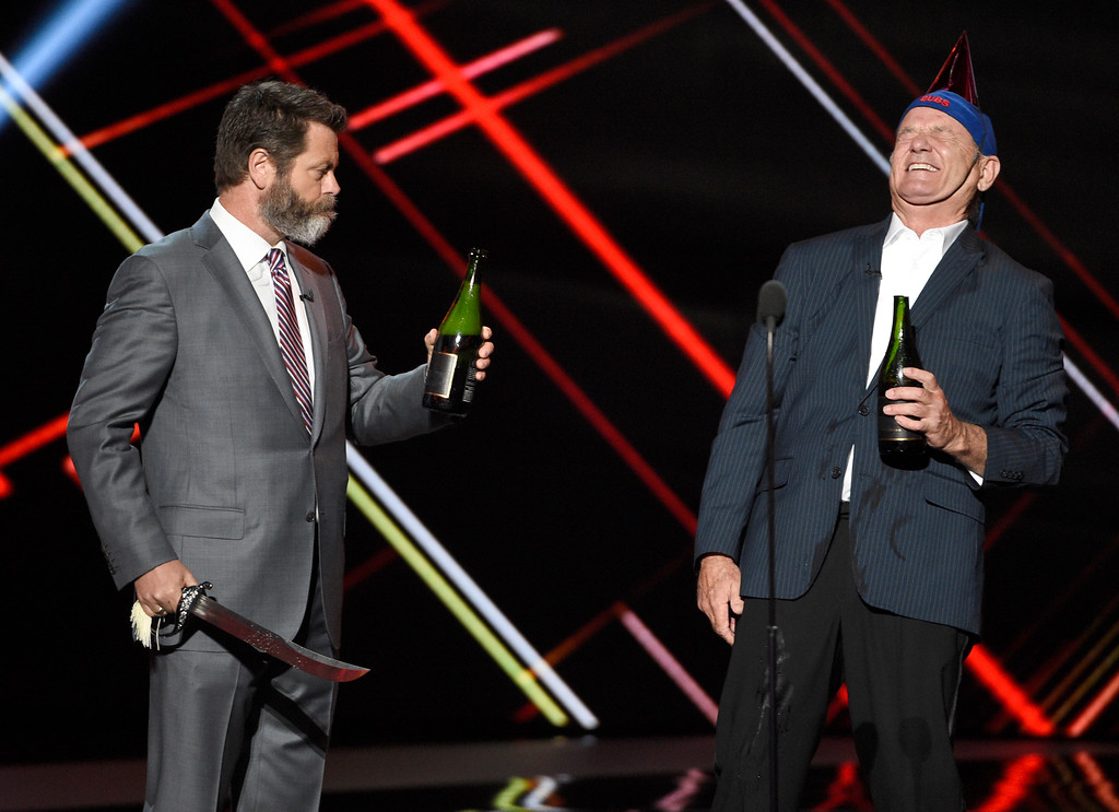 . Nick Offerman, left, and Bill Murray toast to the Chicago Cubs for the award for best moment at the ESPYS at the Microsoft Theater on Wednesday, July 12, 2017, in Los Angeles. (Photo by Chris Pizzello/Invision/AP)