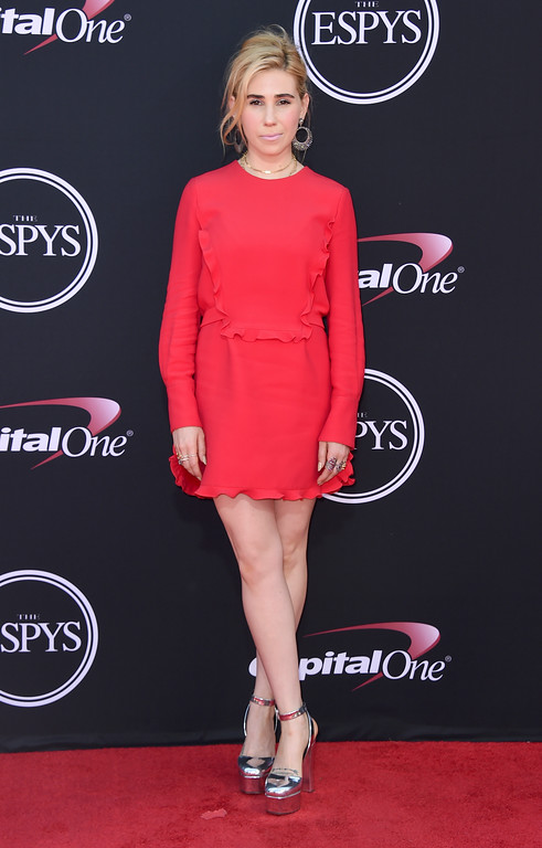 . Zosia Mamet arrives at the ESPYS at the Microsoft Theater on Wednesday, July 12, 2017, in Los Angeles. (Photo by Jordan Strauss/Invision/AP)