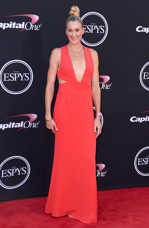 . Beach volleyball player Kerri Walsh Jennings arrives at the ESPYS at the Microsoft Theater on Wednesday, July 12, 2017, in Los Angeles. (Photo by Jordan Strauss/Invision/AP)