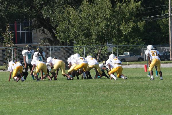 09-11-10-Wildcats-pop-wan-football