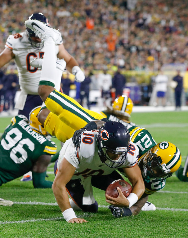 . Chicago Bears\' Mitchell Trubisky runs for a touchdown during the first half of an NFL football game against the Green Bay Packers Sunday, Sept. 9, 2018, in Green Bay, Wis. (AP Photo/Mike Roemer)