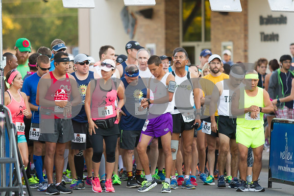 869 runners prepare to statr the 2015 Tyler Rose Half Marathon