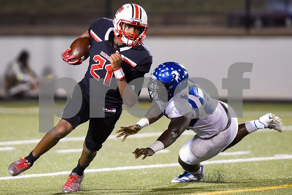 Robert E. Lee running back Ladarius Wickware (21) runs the ball during a high school football game at Christus Trinity Mother Frances Rose Stadium in Tyler, Texas, on Friday, Nov. 3, 2017. (Chelsea Purgahn/Tyler Morning Telegraph)