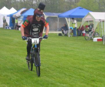 Scott finishing his 1st lap