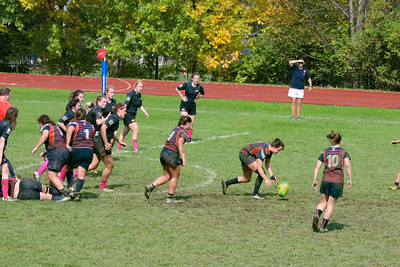 18 10 06 BU vs Syracuse Ladies Rugby-10