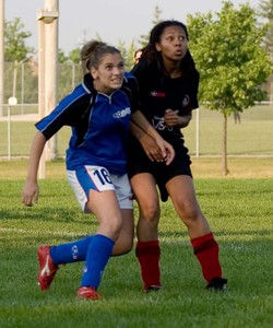 BLUE BOMBSHELLS vs. UNITED BLACK DEVILS - Stacey Viveiros(l), Rose-Ann Buckley(r)