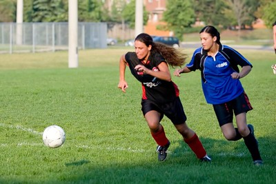 BLUE BOMBSHELLS vs. UNITED BLACK DEVILS - Anik Richards(l), Andrea Viveiros(r)
