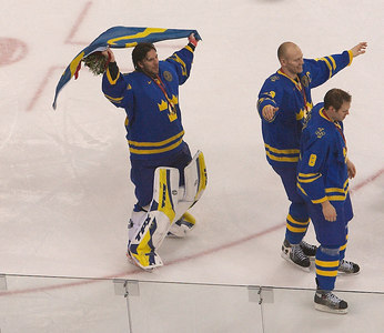 Swedes win gold in Men's Ice hockey, Finland silver. Czech get's bronze.