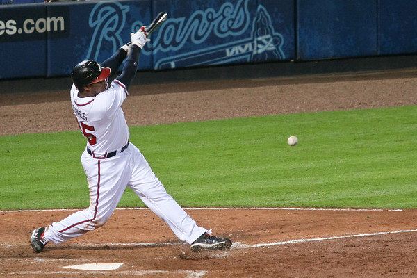 CF Andruw Jones hits a three-run homer in the fifth inning -- his first since August 22nd.
