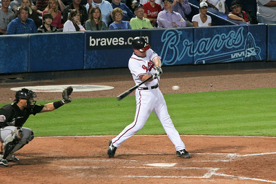 3B Chipper Jones went 3-for-4 with 2 RBIs.