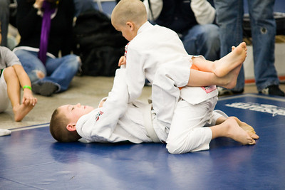 2008-12-06 - No Limits Grappling Tournament - Youth Division -  (18 of 207)