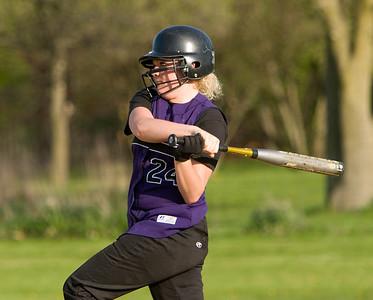Hampshire:  24 Kelsey Watson foul ball