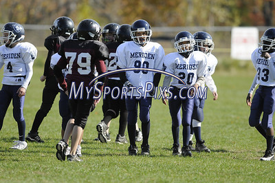 10/19/2008 Jr. Pee Wee Meriden Raiders vs Torrington Warriors at the Torrington Middle School.  Photos by Mike Orazzi