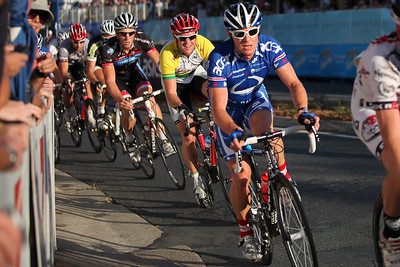 """""""5km Bolt"""" & Cycling Criterium at the 2009 Noosa Multi Sport Festival. Photos by Des Thureson."""