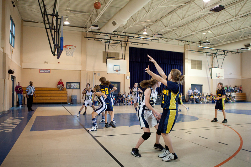 St Joseph 8th Grade Basketball Team, Janaury 2009 (55 of 74)